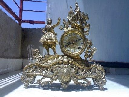 ساعة اترية من النحاس الصافي قطعة قديمة ونادرة