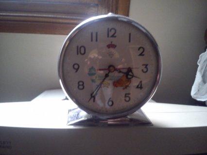 ساعة الدجاجة والكتاكيت القديمة