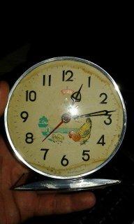 ساعة الدجاجة القديمة للبيع