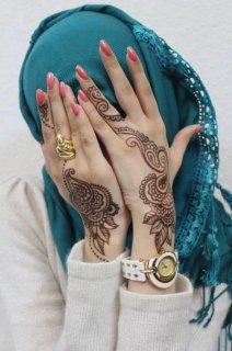 انا انسانه حاساسه جدا بحب الصراحه وبكره الكذب ابحث عن زوج مغربي