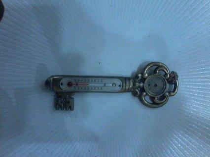 مفتاح قديم جدا كبير الحجم من الذهب و الفضة للبيع