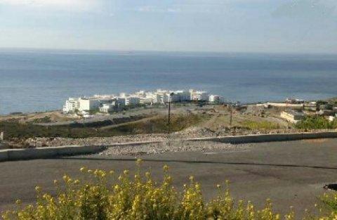 بقع أرضية تطل على البحر الأبيض المتوسط لبلبن فيلات سكنية