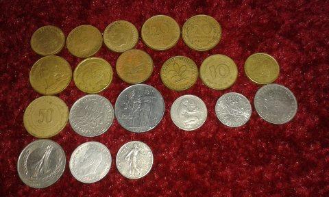 نقود قديمة مغربية +وعملات أجنبية ولا عة من الحرب العالمية الأولى