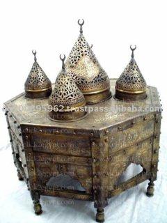مبخرة من النحاس من العصر المملوكى