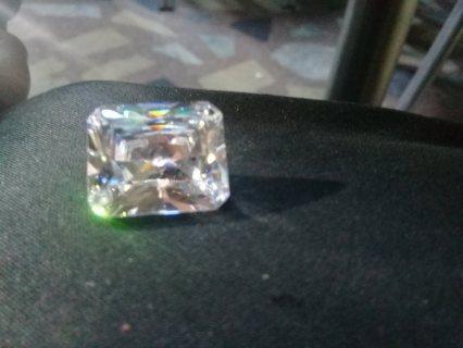 حجر الماس ابيض
