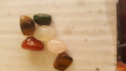 احجار كريمة نادرة للبيع