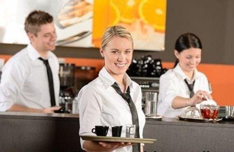 مطلوب موظفات ويترس للعمل بفندق بالإمارات العربية