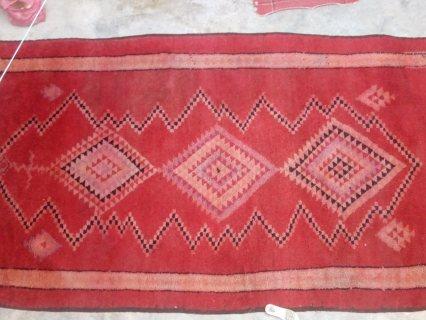 زربية اثرية من صنع مغربي قديم