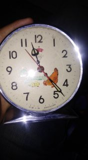 ساعة الدجاجة القديمة