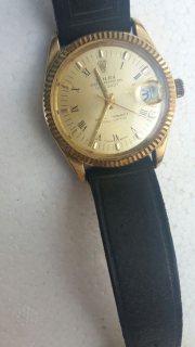 ساعة rolex من الذهب