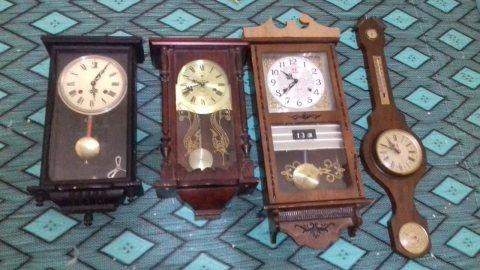 ساعات قديمة تحفة