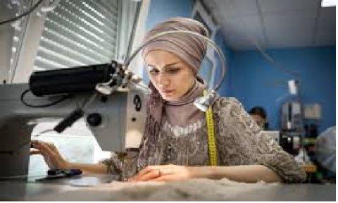 يتوفر لدينا من داخل المغرب خياطات مغربيات جاهزين للعمل بدول الخليج