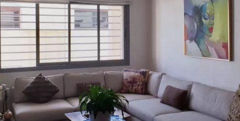 Très joli appartement récent et moderne dans le beau côté du quartier val Fleuri