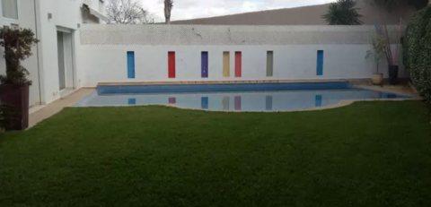 Villa SPLENDIDE ultra Design avec ascenseur et piscine privatifs à vendre