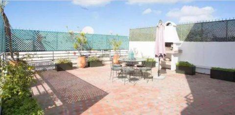 Location appartement meublé de 150 m² à Gauthier avec une belle terrasse.
