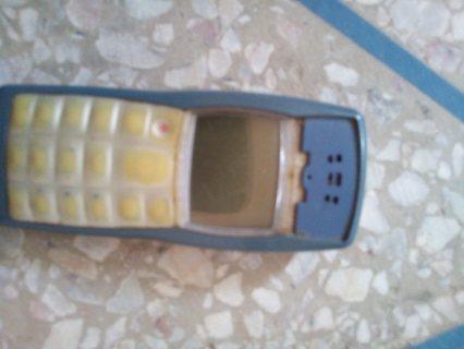 انا عندي هاتف نوكيا 1100 أصلي صنع ألماني انا من المغرب