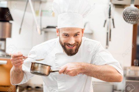 توفر لدينا طباخين مغاربة محترفين من عدة تخصصات