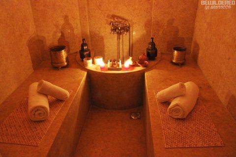 يتوفر لدينا من المغرب خبيرات حمام مغربي خبره في ارقى الحمامات في المغرب