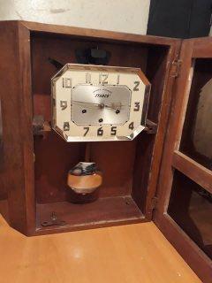 ساعة قديمةحائطية