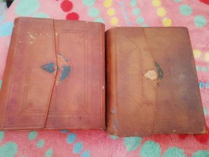 كتابين قديمين جدا شرح مختصر الخليل فى حالة جيدة
