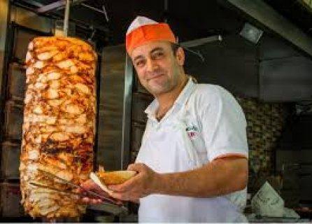 نتوفر من المغرب على معلمين شاورما خبره في ارقي المطاعم