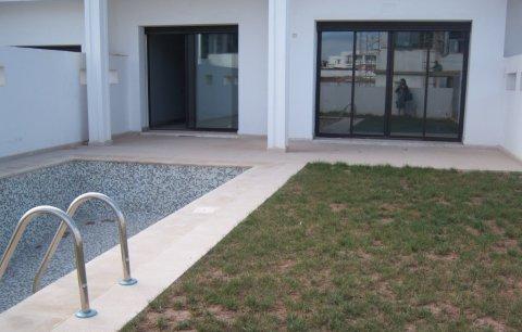 فيلا راقية للبيع في بوسكورة، الدار البيضاء: 275 متر مربع