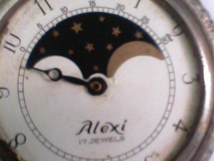 ساعة قديمة  من  نوع  Alexi   17 Jewels