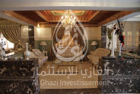 فيلا جميلة راقية المستوى مفروشة للبيع بالقرب من باشا، مراكش: 350