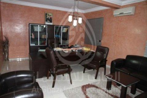 شقة  من طابقين للبيع لللإستخدامات المهنية بماجوريل، مراكش: 120م