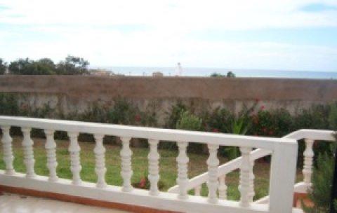 فيلا للبيع في عين الدياب، الدا البيضاء 601 م مع إطلالة على البحر