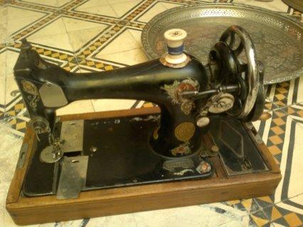 ماكينة الخياطة  Singer القديمة للبيع