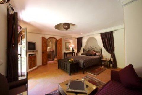 قصر  للبيع  قريب  من  جليز، مراكش