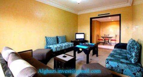 شقة جميلة بمسبح لقضاء عطلة استثنائية بمراكش