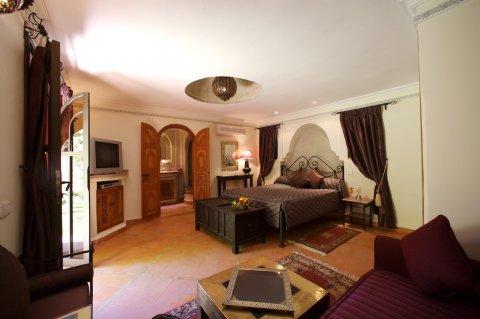 لاصحاب الفرص : قصر للبيع قريب من جليز، مراكش