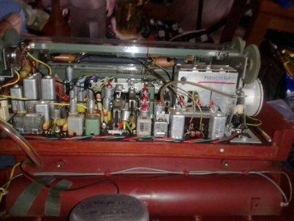 راديو فليبس قديم يعمل على البطاريات فقط