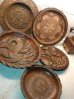 صحون خشبية في غاية الروعة مشغولة على الايد  صنعت في امريكا الج