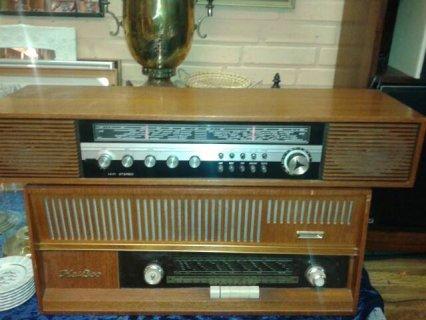 راديوين قديمين بحالة جيدة جدا