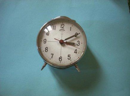 ساعة قديمة و اترية