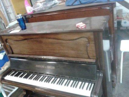 ,بيانو قديم من النوع الجيد  يعملوا بشكل جيد عدد اثنين