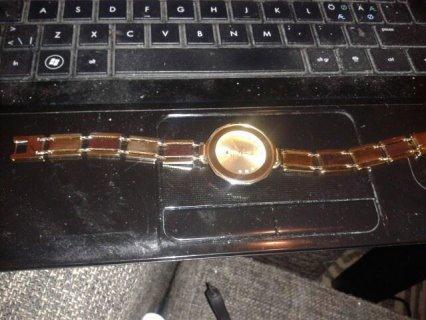 ساعة ROLEX مصنوعة بالكامل من الذهب الخالص عيار 24 مرصعة باماس