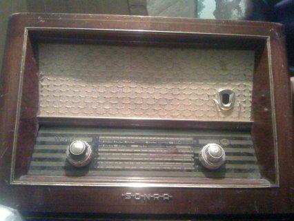 للجادين فقط راديو قديم جدا