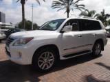 للبيع Lexus Lx570 2013 ( Gulf Spec )  Call or WhatsApp